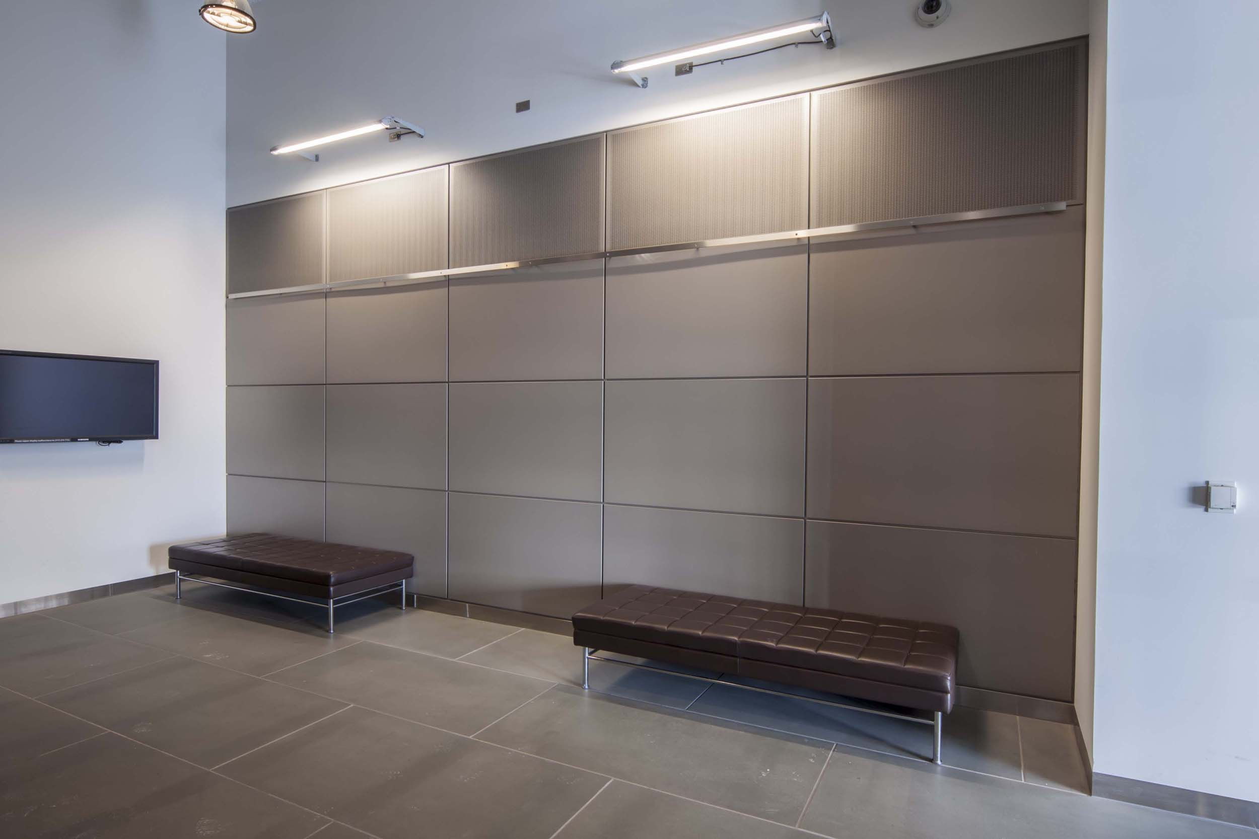 Metallic Wall Paneling : Gordon formas inc